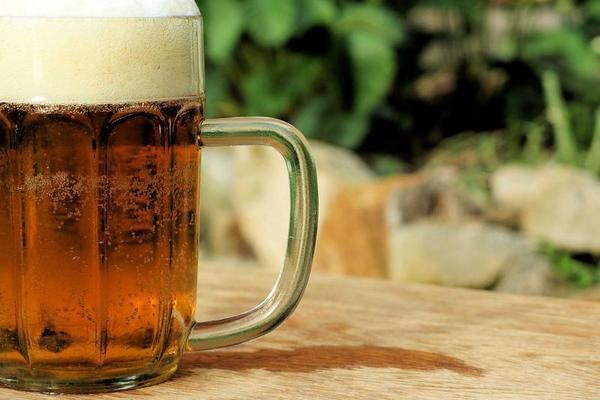Boas notícias: é aconselhável tomar uma birra por dia