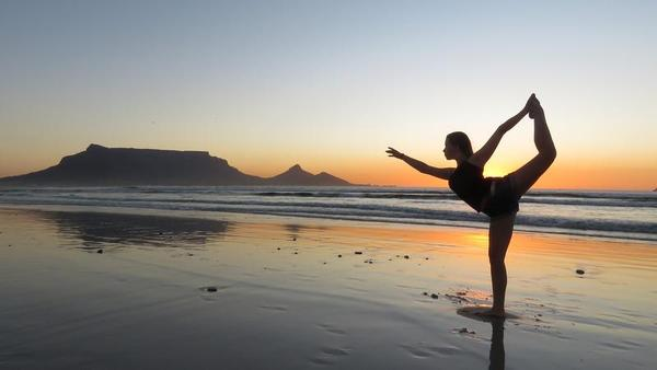 Não copiar as posturas de yoga que você vê nas revistas