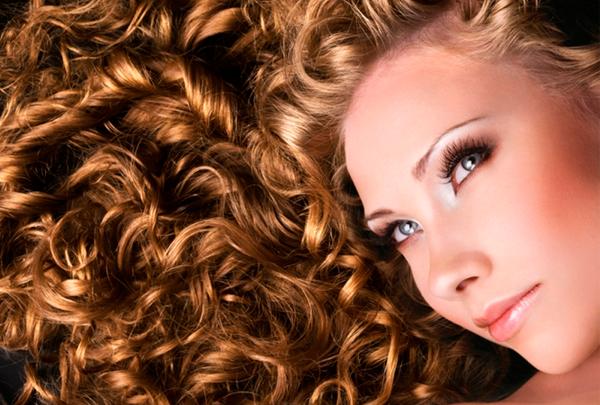 Espaguete com almôndegas de cabelo
