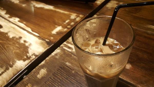 O Café com gelo e bactérias fecais? Não, obrigado