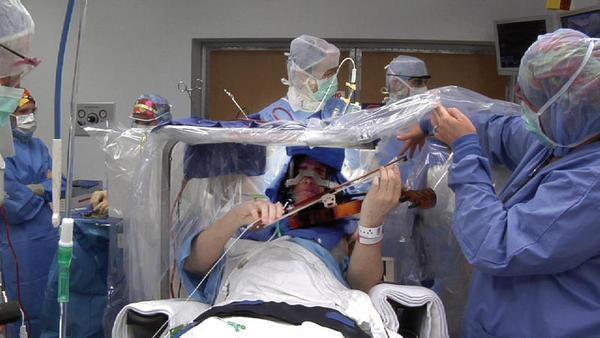 Operaciópn contra os tremores