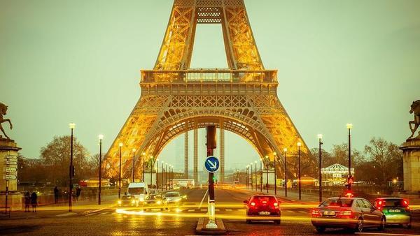 Por que os japoneses são marean quando visitam Paris?