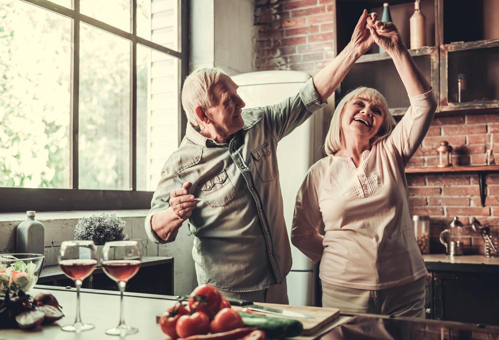 Pessoas mais velhas não fazem sexo? Mito ou verdade?